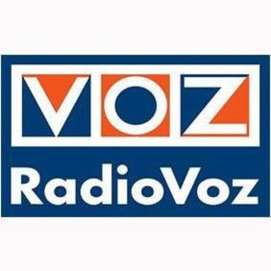 Entrevista radiofónica en Radio Voz